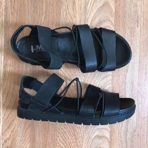 Mia sandal platforms size 8.5